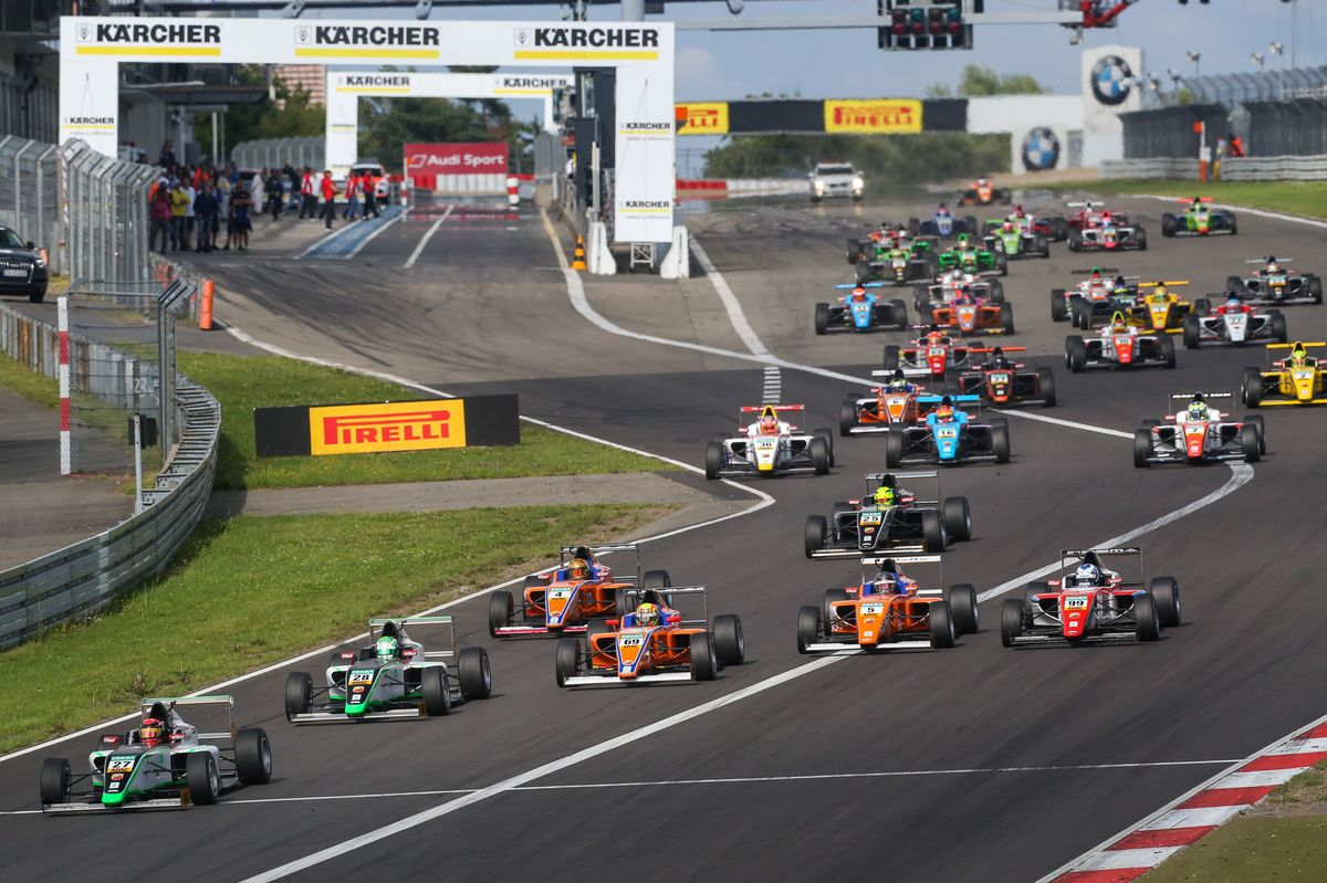 ADAC Formel 4 ? Marvin Dienst takes championship lead with a win
