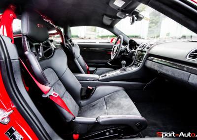 Porsche-Cayman-GT4-16