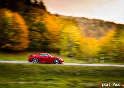 Porsche-Cayman-GT4-23