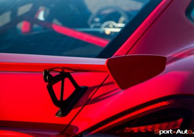 Porsche-Cayman-GT4-5