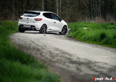 Renault-Clio-RS-Trophy-10