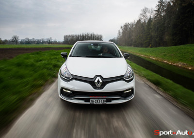 Renault-Clio-RS-Trophy-9