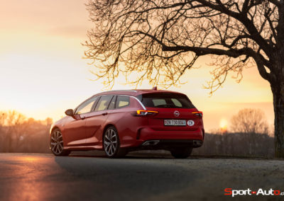 Opel-Insignia-Sports-Tourer-GSI-50