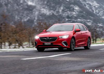 Opel-Insignia-Sports-Tourer-GSI-62