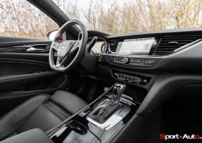 Opel-Insignia-Sports-Tourer-GSI-84