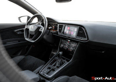 Seat-Leon-Cupra-ST370-87