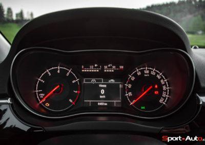 Opel Corsa GSi - compteurs - Essai