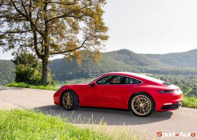 Porsche 911 992 Carrera Gilles -21