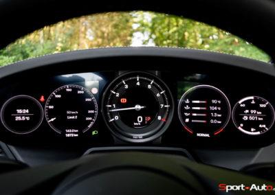 Porsche 911 992 Carrera Gilles -33