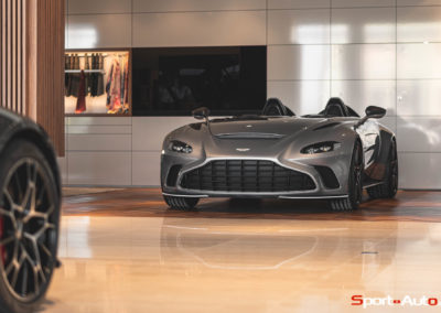 Aston Martin V12 Speedster Showroom -28