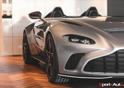 Aston Martin V12 Speedster Showroom -4