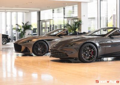 Aston Martin Vantage Roadster Showroom -1