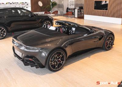 Aston Martin Vantage Roadster Showroom -100
