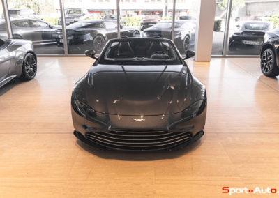 Aston Martin Vantage Roadster Showroom -13