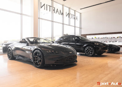 Aston Martin Vantage Roadster Showroom -15