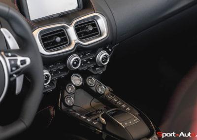 Aston Martin Vantage Roadster Showroom -9