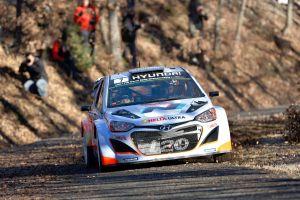 Thierry-Neuville-Hyundai-i20-WRC-7monte
