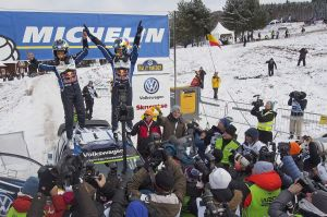 """WRC – Sébastien Ogier s'impose dans la """"chaleur"""" suédoise"""