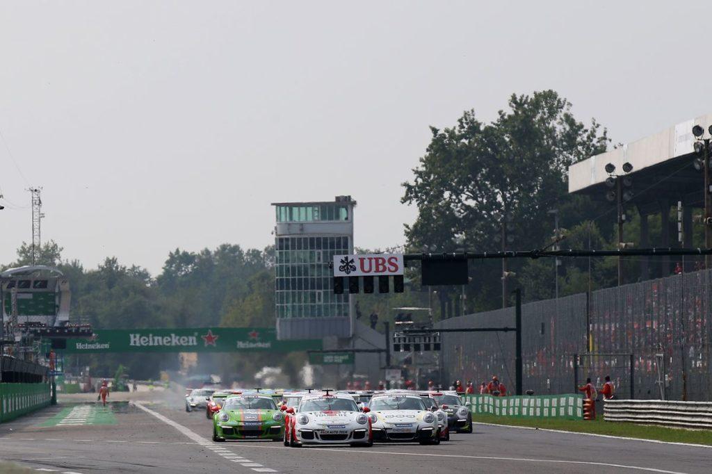 Start Matteo Cairoli (I) Mattia Drudi (I) Michael Ammermüller (D)  Porsche Mobil 1 Supercup Monza 2016