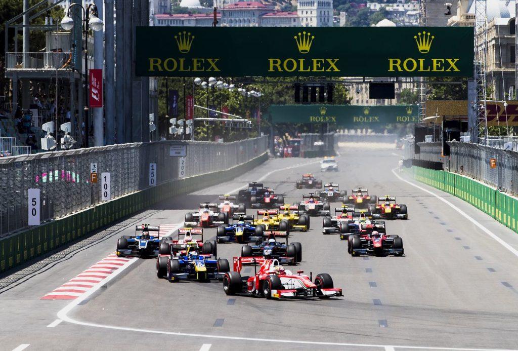 FIA Formule 2 – Charles Leclerc domine Baku malgré le deuil - meeting difficile pour Louis Delétraz