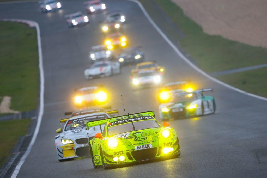 VLN – Manthey Racing s'offre sa 50e victoire, Top 10 pour Jonathan Hirschi