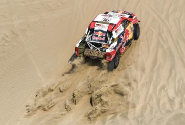Dakar Rally blasts off into the dunes on scorching opening stage