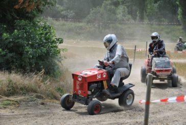 Course de tracteur-tondeuse de Dorénaz / Valais