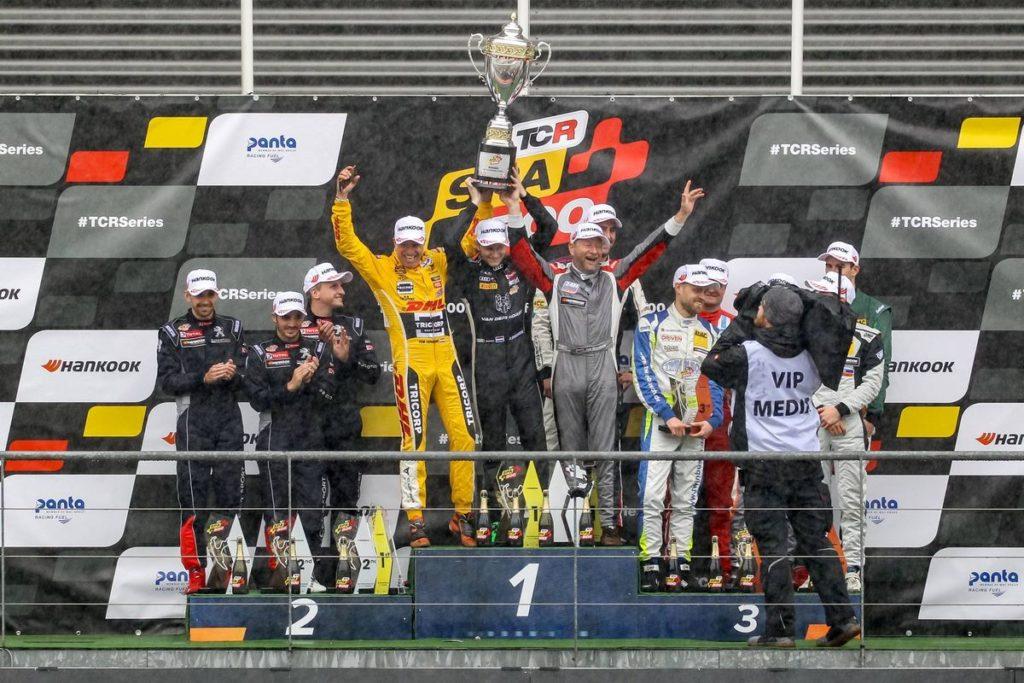 Red Camel-Jordans.nl premier vainqueur des TCR Spa 500, Fabian Danz et Julien Apotheloz sur le podium