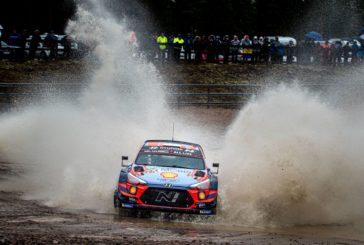 Ott Tänak fährt im Hyundai i20 Coupe WRC auf Platz zwei