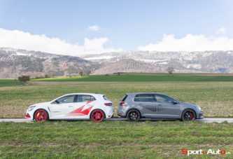 Duel – Renault Megane RS Trophy-R vs VW Golf 7 GTI TCR