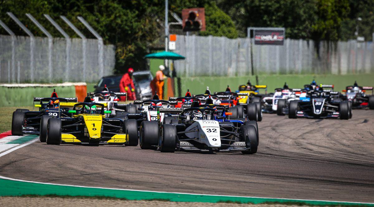 Formula Renault Eurocup - Veni, vidi, vici pour Vidales, Grégoire Saucy victime d'une touchette