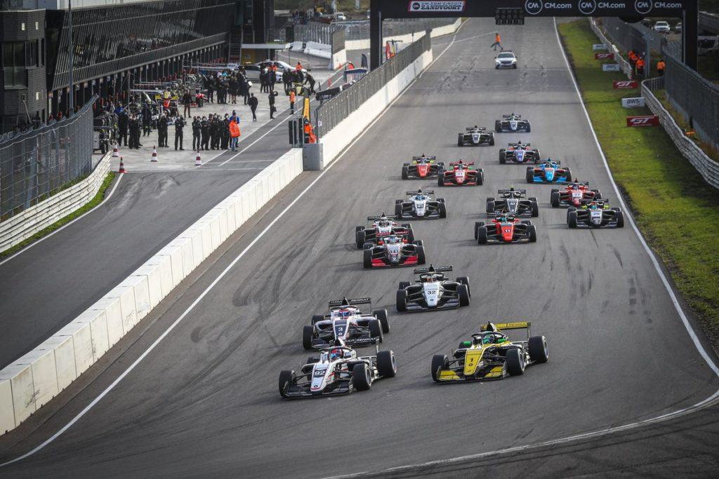 Formula Renault Eurocup - Victor Martins enchaîne à Zandvoort, Grégoire Saucy dixième