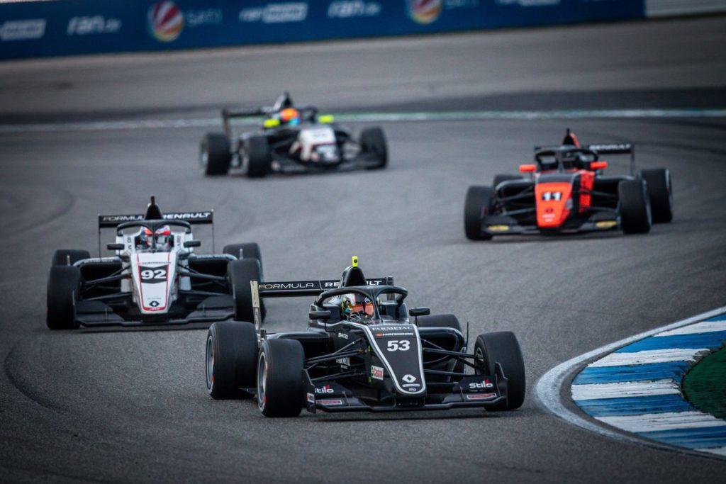 Formula Renault Eurocup - Première victoire pour Bhaitech, nouvel abandon de Grégoire Saucy