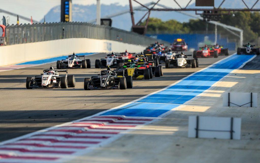 Formula Renault Eurocup - Lorenzo Colombo s'impose, nouveau top 10 pour Grégoire Saucy, Victor Martins champion