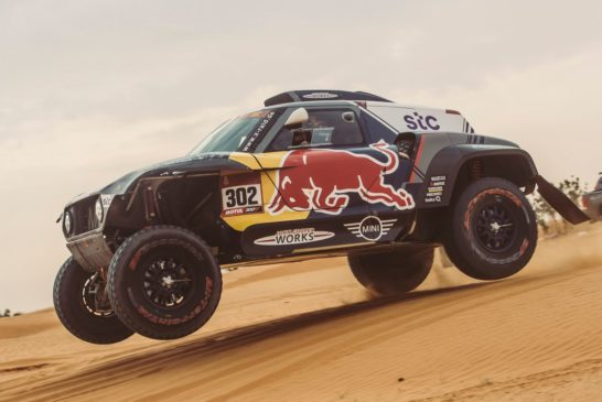Dakar – Peterhansel extends car lead as De Villiers claims Stage Five victory